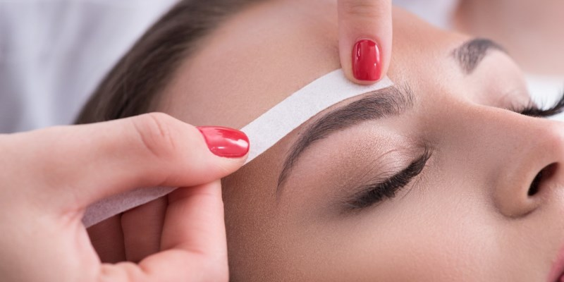 The Reasons Behind the Popularity of Eyebrow Waxing Kits